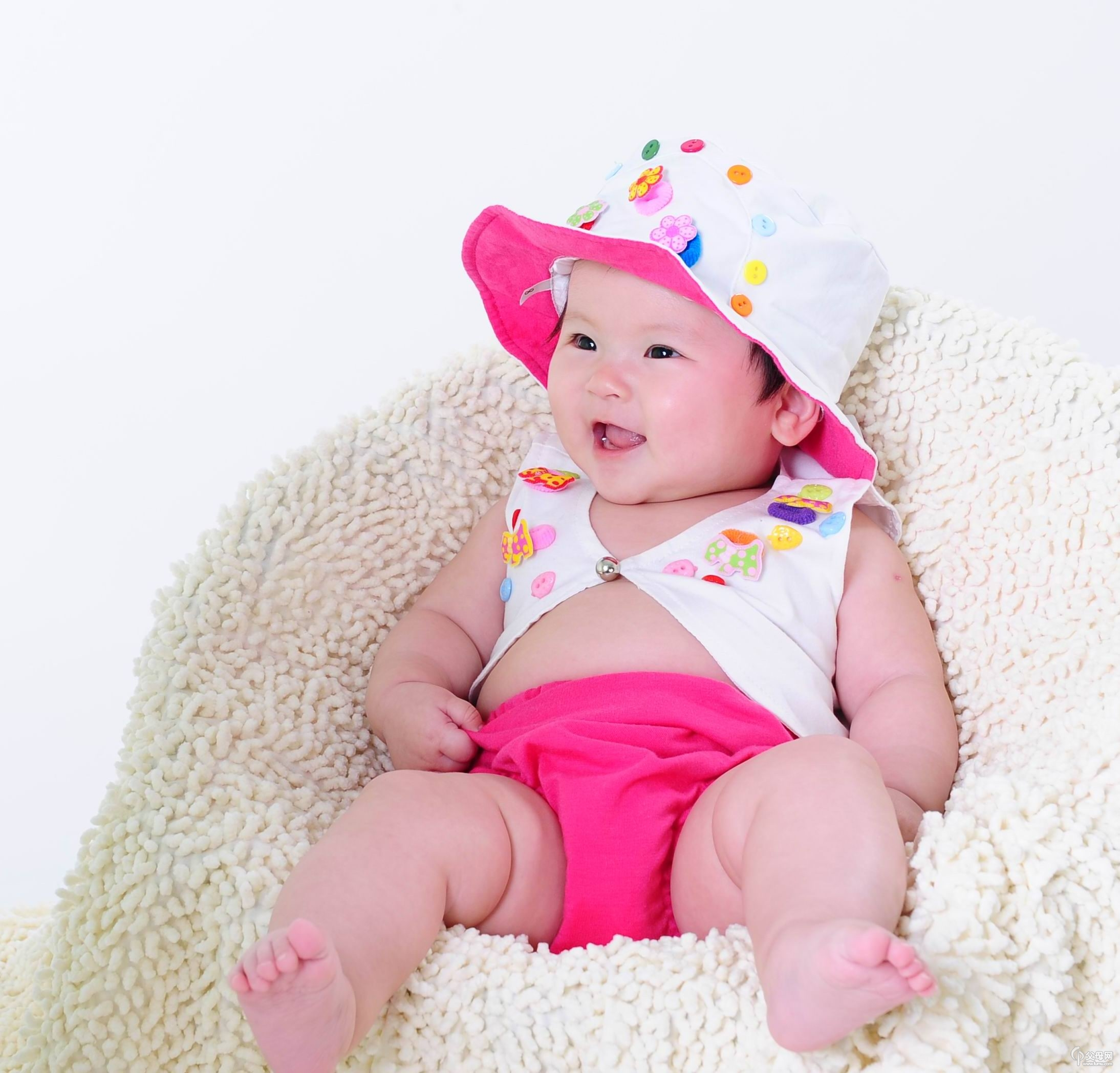 """3·8节献礼父母网与妈妈宝宝儿童摄影联合举办""""吻""""主题照片评选活动"""