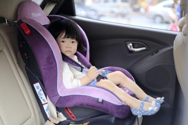 惠尔顿运动宝儿童安全座椅