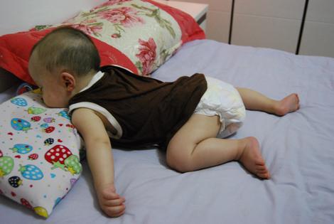 一组宝宝的睡姿照片,真是太可爱了!