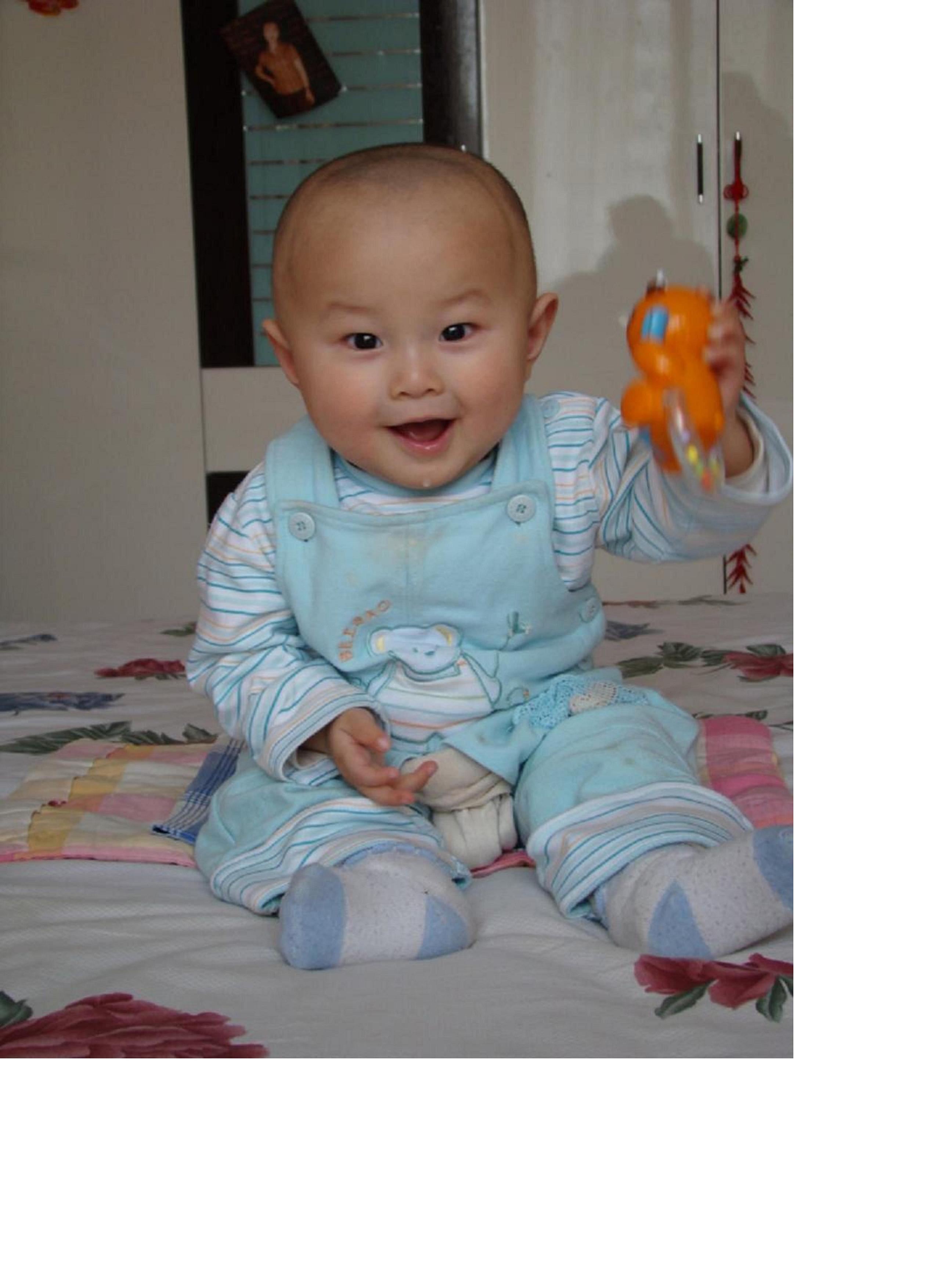 超级宝贝专题照片征集:光头宝宝!