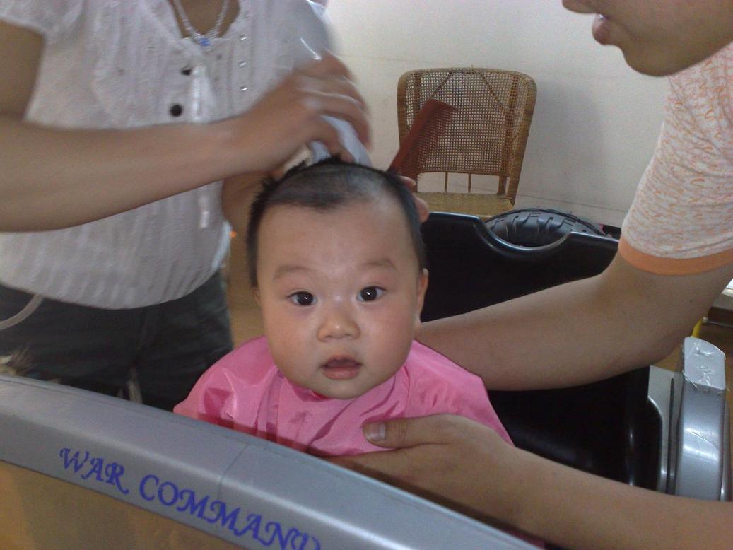 小孩发型剪发步骤