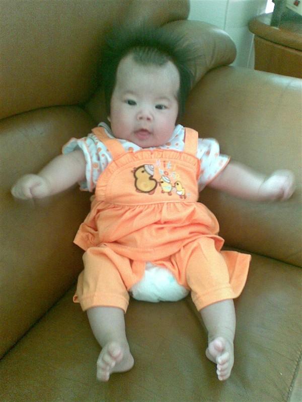 十个月女宝宝的发型_十个月女宝宝的发型分享展示图片