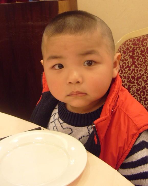 两岁宝宝桃子头发型分享展示