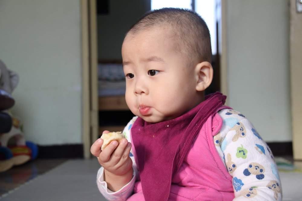 吃香蕉的表情图片
