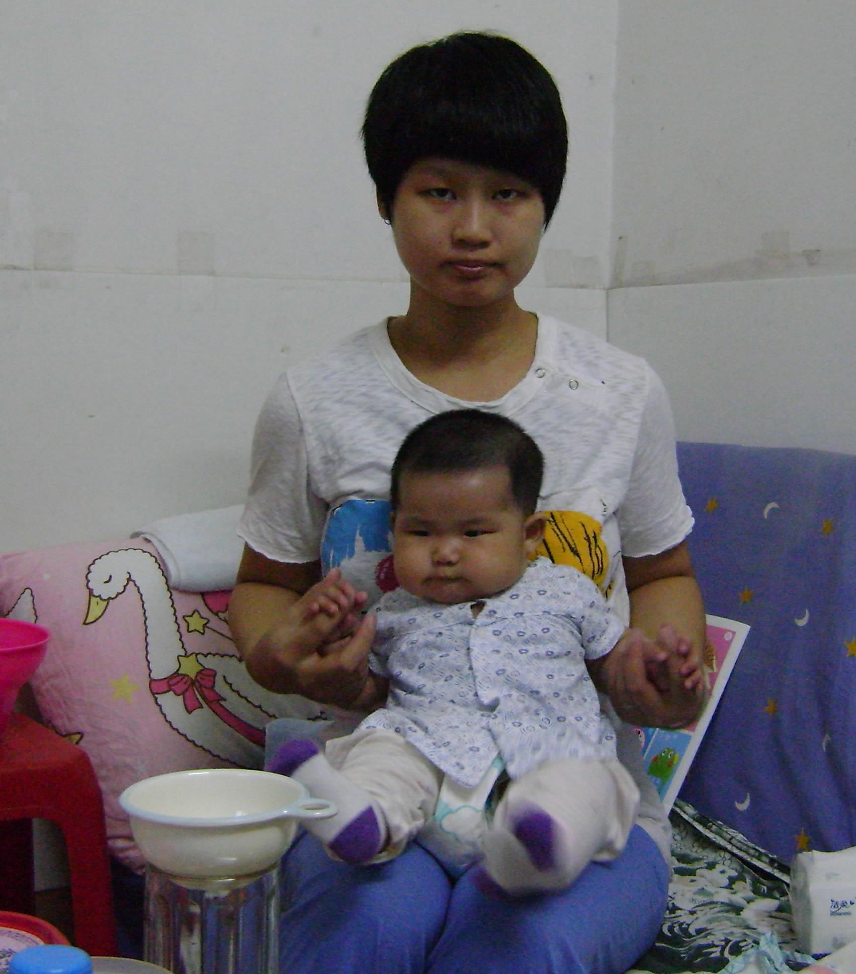 【我与宝宝的亲密接触】拥抱我的宝贝儿图片