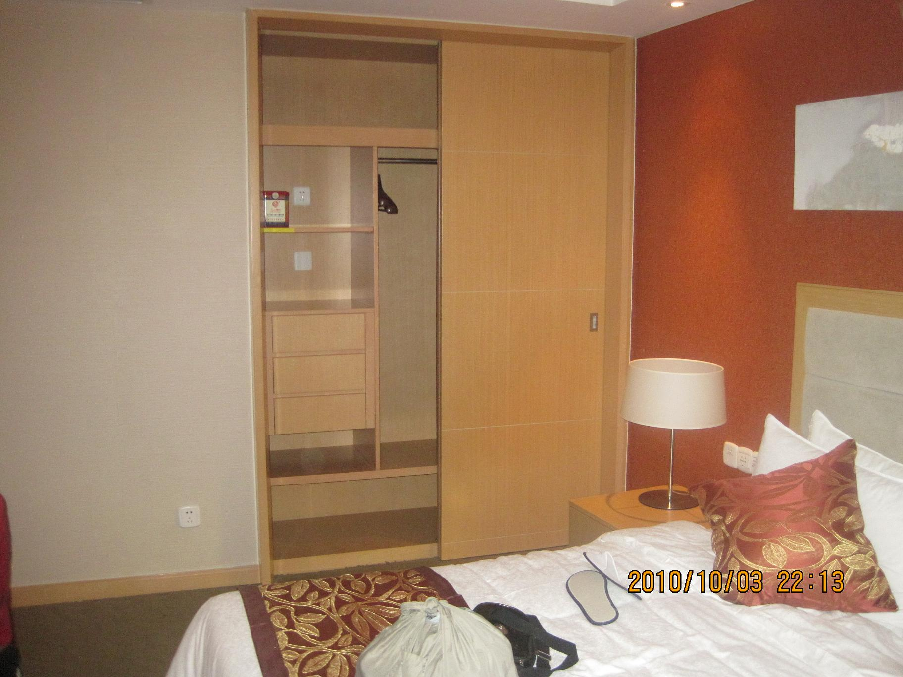 炕壁橱效果图卧室